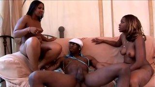 trio brasilero con dos negras bisexuales big black bundas