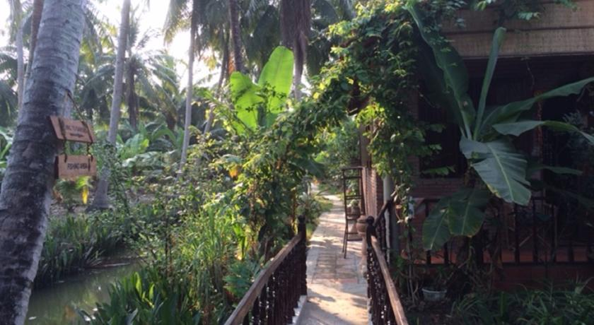 Charming Countryside Homestay in Ben Tre