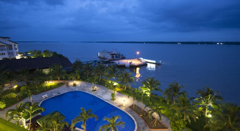 riverside resort in Ben Tre