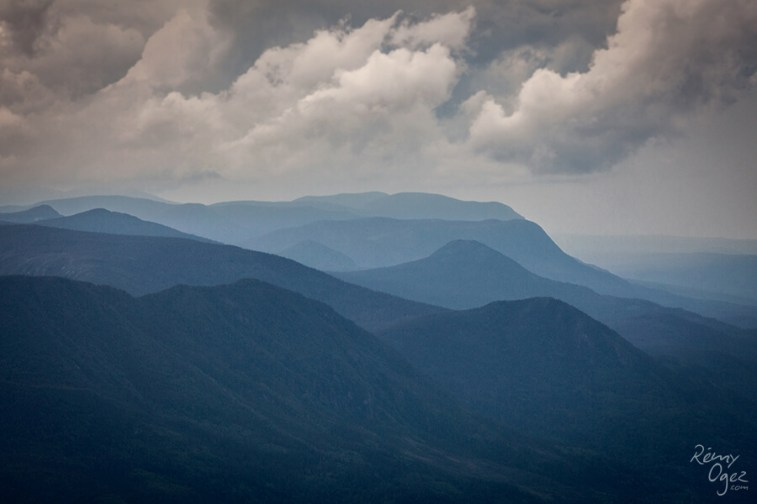 Image au Mont Xalibu pour notre article 4 sentiers pour de surprenantes rencontres en Gaspésie