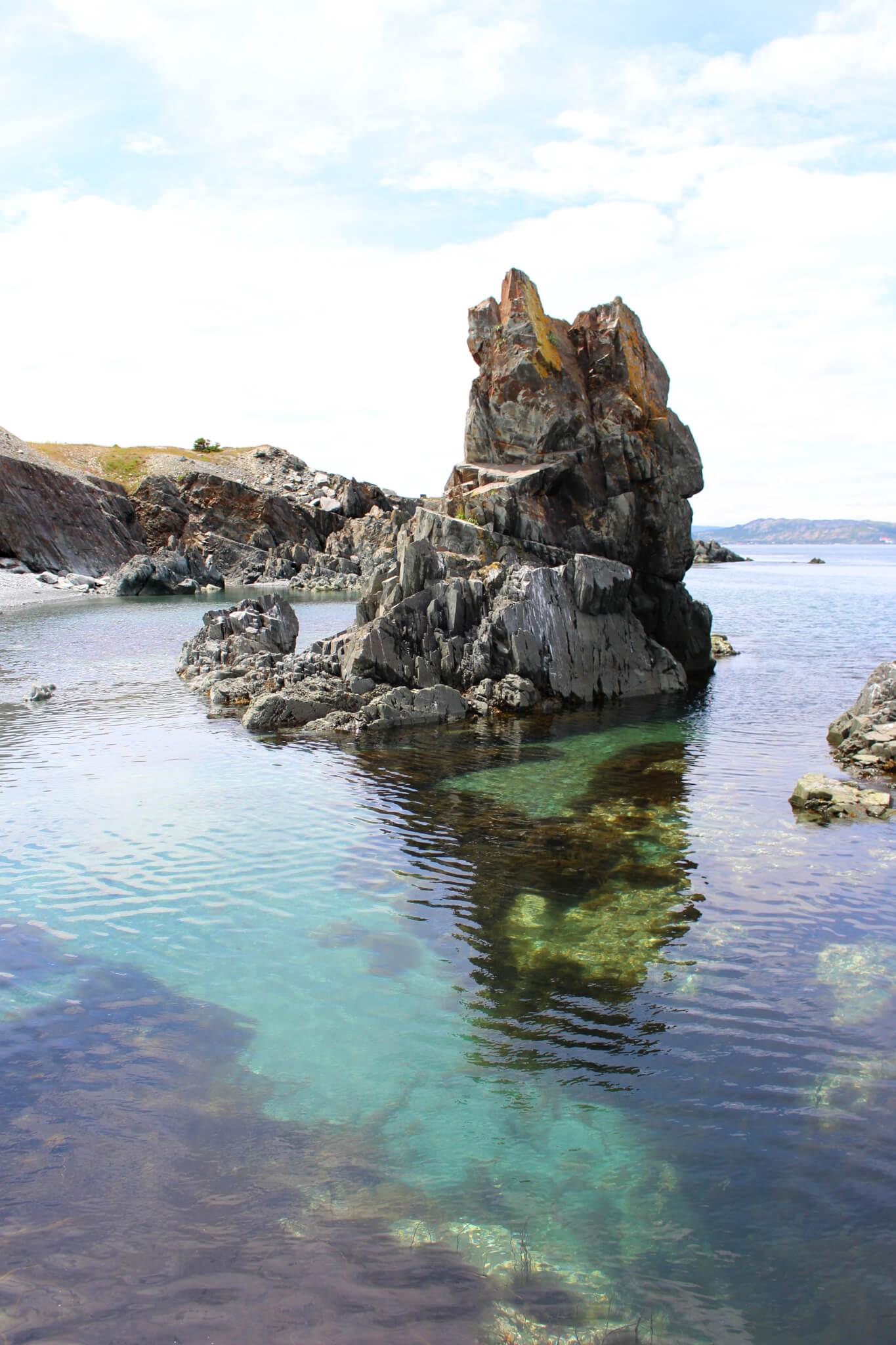 Image à Mad Rocks pour notre article Randonnées de rêve à Terre-Neuve