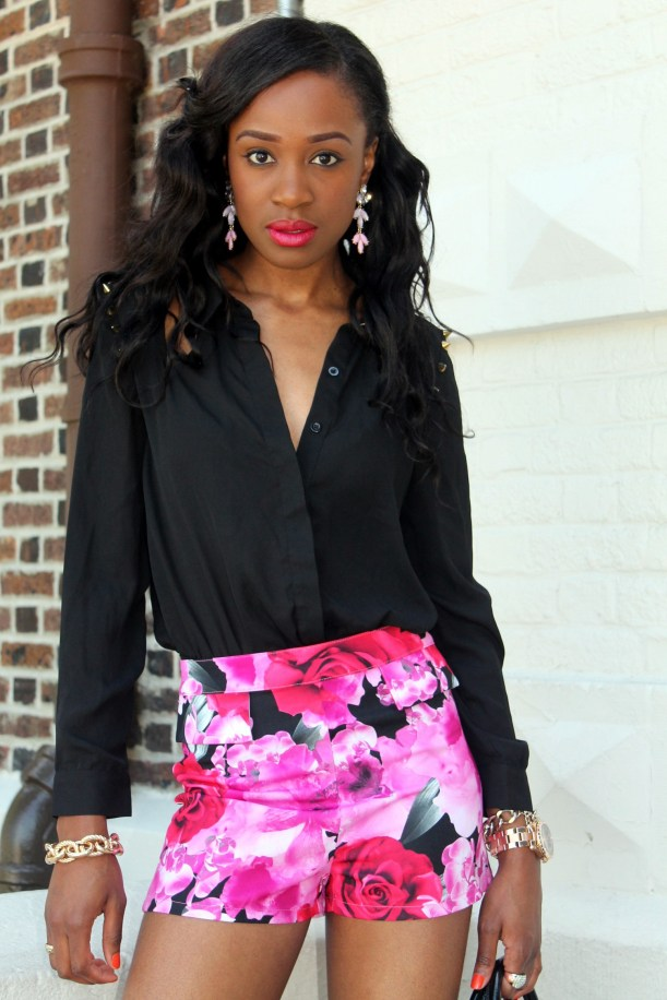 High waisted floral shorts + red pumps (9)