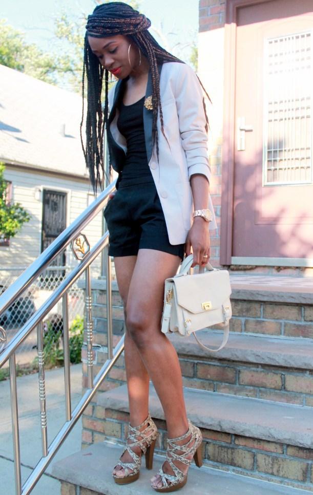Black JCrew shorts + H&M oversized blazer (8)