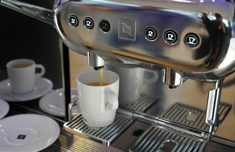 Kavos aparatai įmonėse – reikia ar apsieisim?..