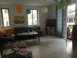 Wohnzimmer mit viel Sitzfläche
