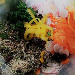 Pour remplacer la salade, j'utilise les graines germées comme base !
