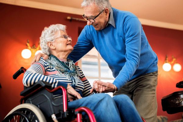 Cómo adaptar tu hogar al cuidado de mayores ahora que algunas residencias están cerrando