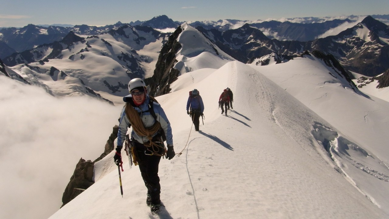 Mountaineering in new zealand - guided mountaineering courses