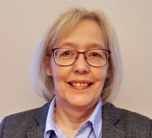 Auf dem Bild ist die Vorstandsvorsitzende der Association for Vertical Farming e.V., Christine Zimmermann-Lössl, abgebildet.