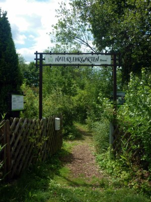 Eingang zum Naturlehrgarten in Ranis
