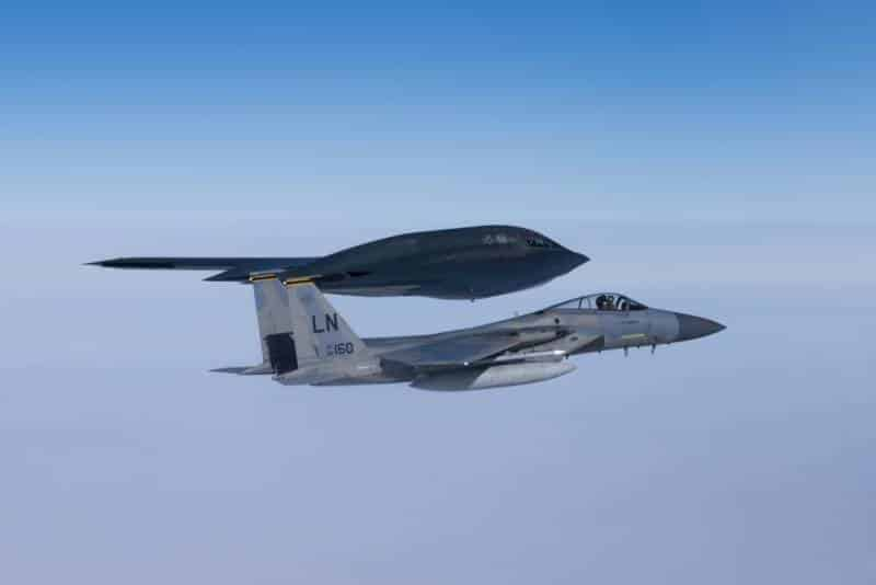 ВВС США перебросило стратегические бомбардировщики В-2 Spirit в Великобританию