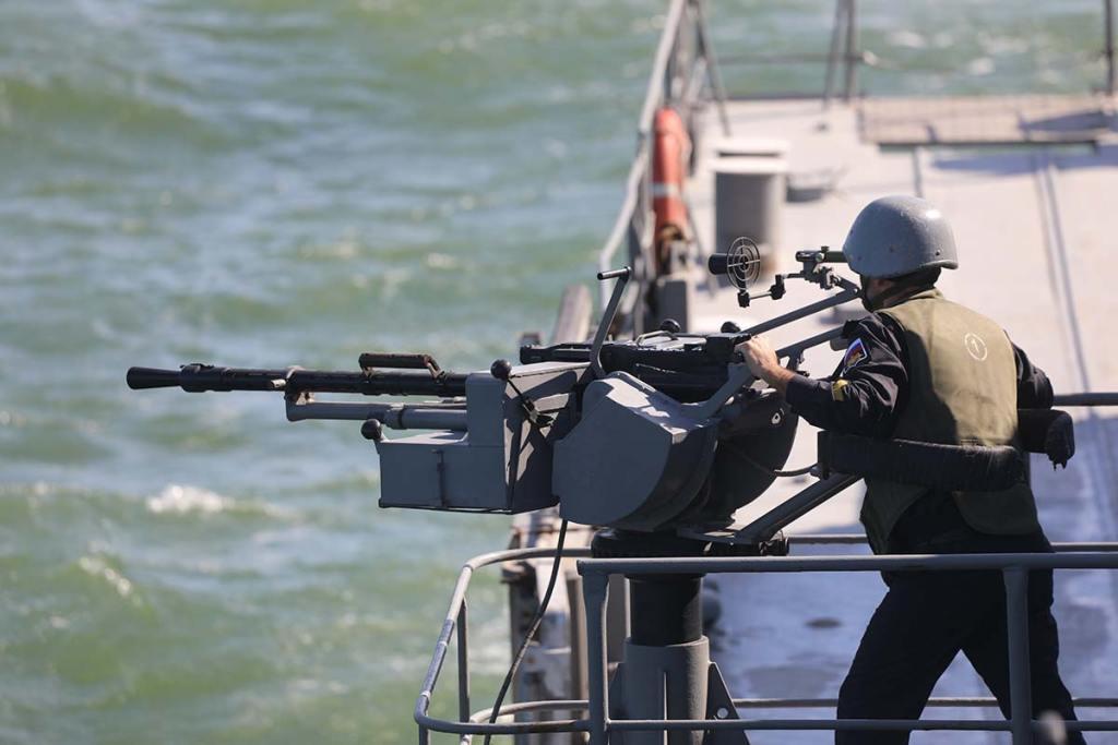 Боевые-пловцы-КФл-уничтожили-подводных-диверсантов-условного-противника