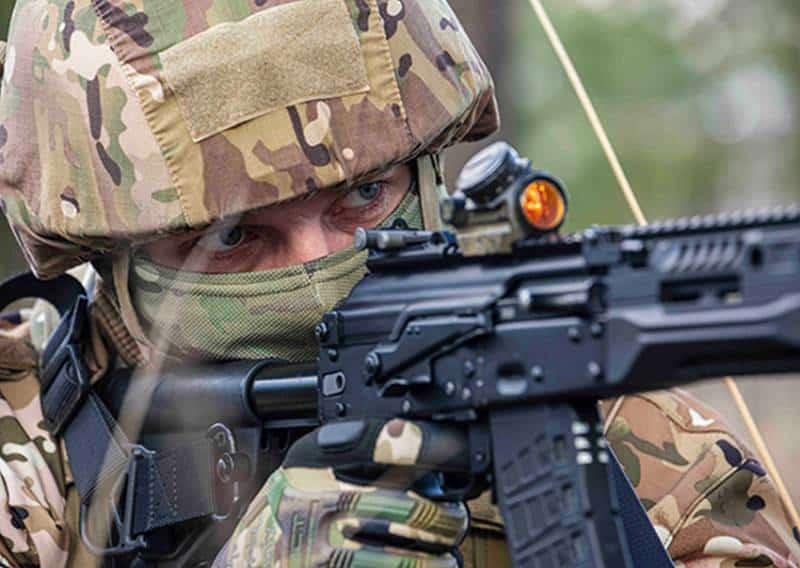 Российских миротворцев перевооружают на автоматы Калашникова АК-12
