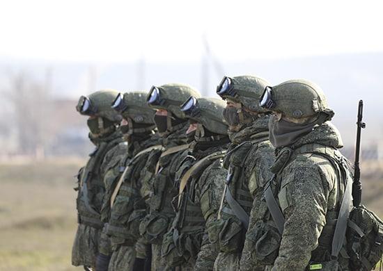 отработка наступления со стрельбой из штатного оружия и военной техники