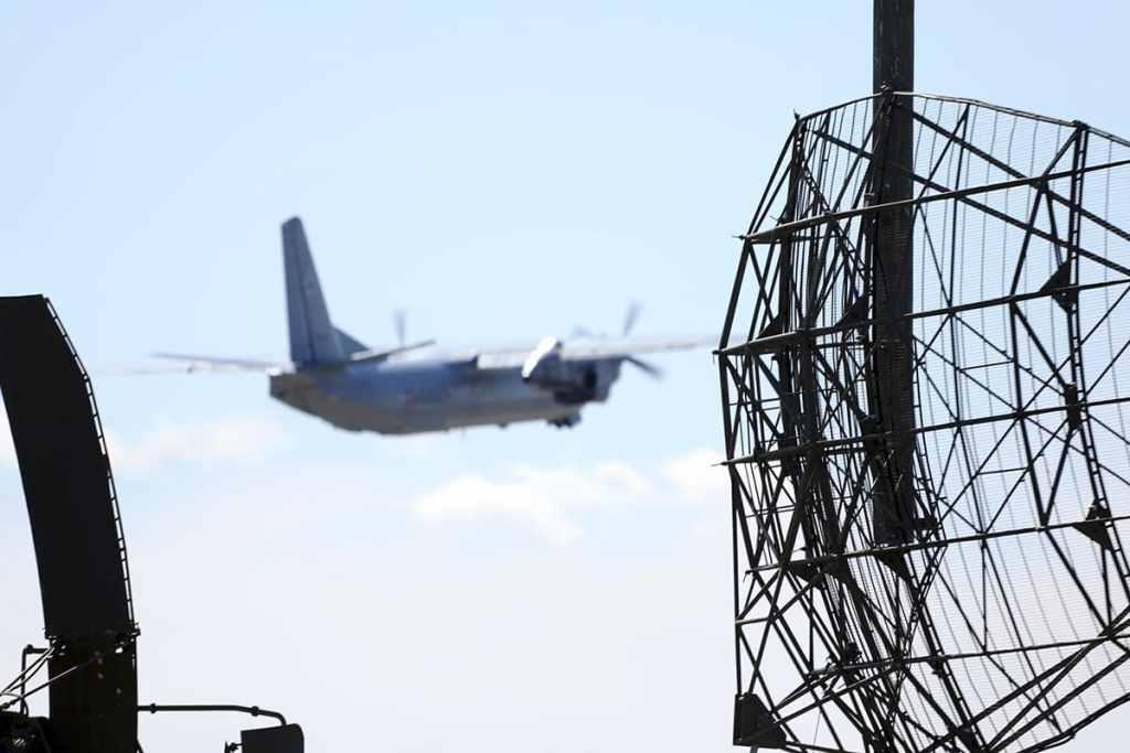 самолет-военно-транспортной-авиации-Ан-24-1