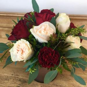 Sophisticated Dozen Roses