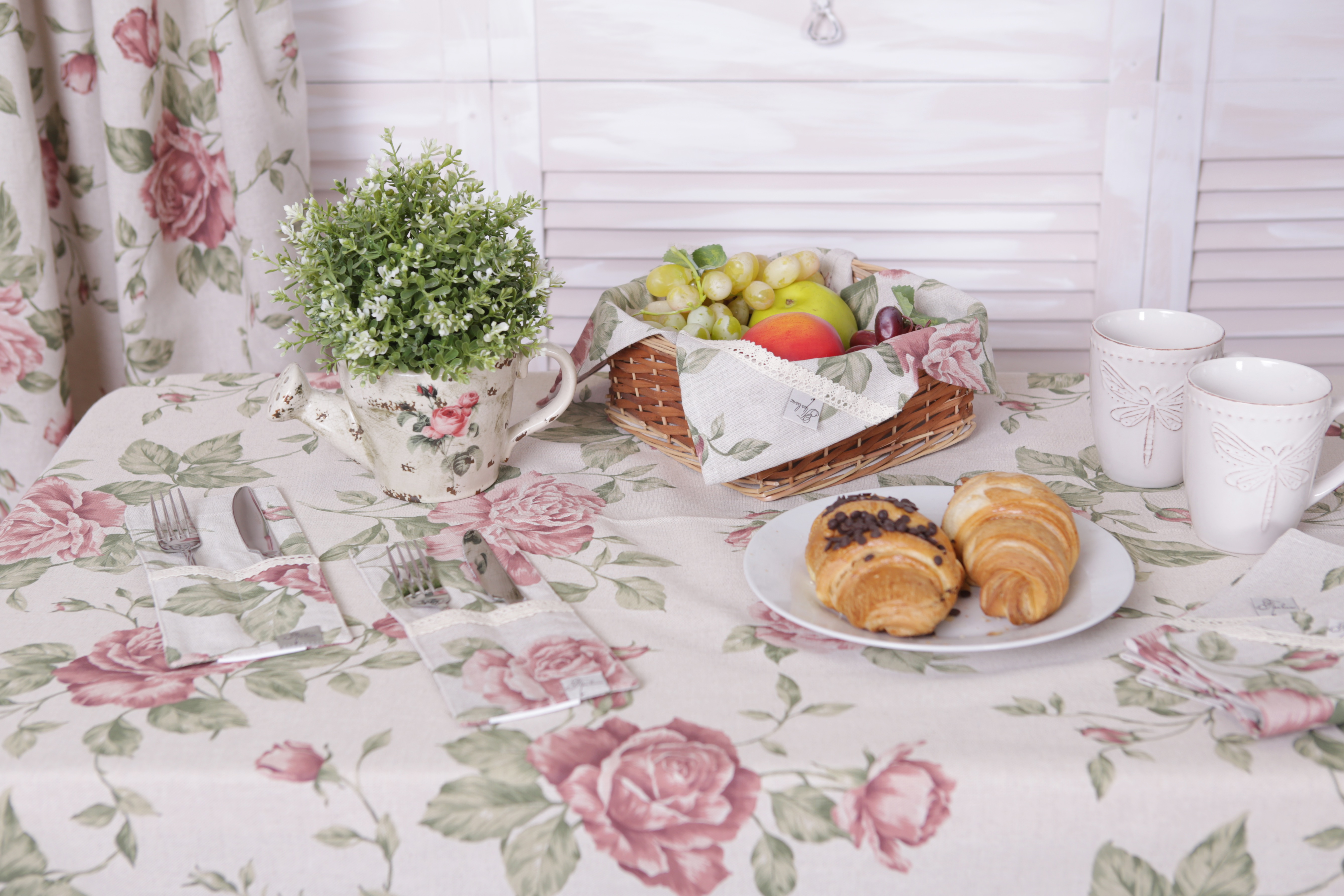 veryandvery tablecloth pink rose cotton shabby chic