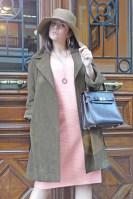 Bombasi (vestido Marni, abrigo y bolso vintage, sombrero Philippe Model)