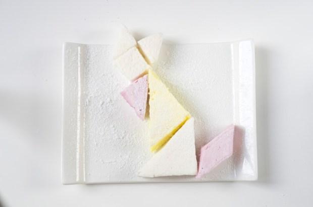 Marshmallow tangram