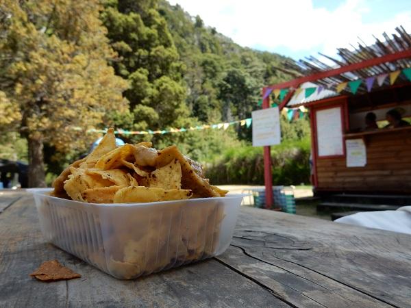 Nacho's met guacamole in het 'Zwitserse' dorpje