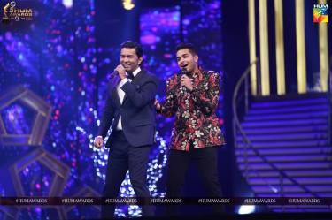 sajad ali asim azhar hum awards 2017 performance