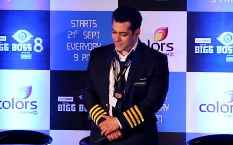 salman-khan-stops-for-azaan