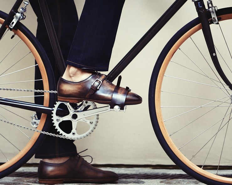 comment bien cirer ses chaussures homme berluti cycles victoire
