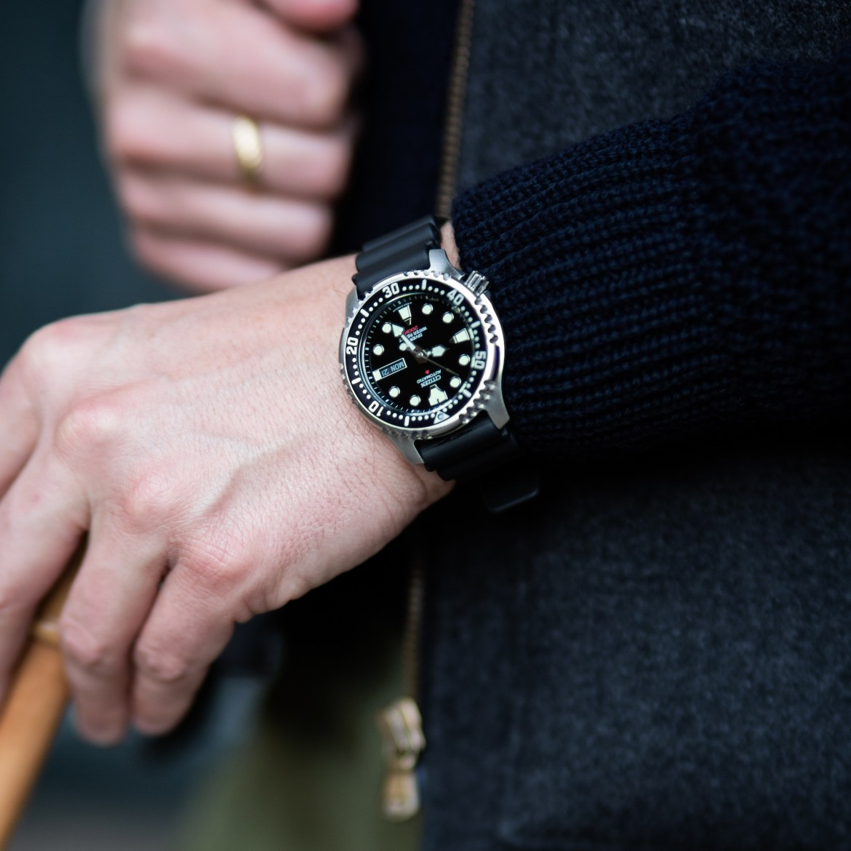 citizen promaster yn0040 wrist worn
