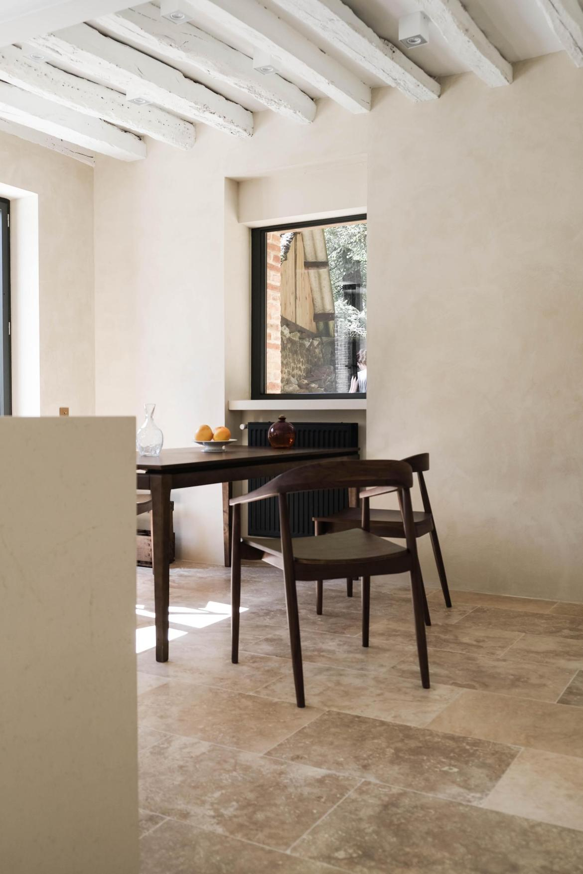 table de cuisine bois fonce