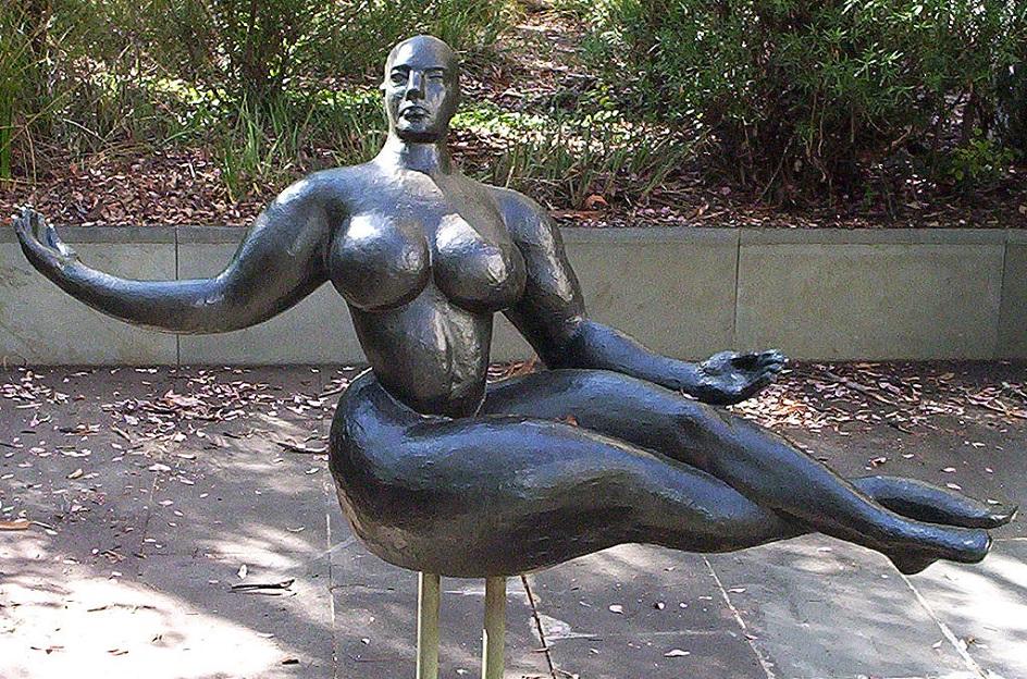 Escultura. Chaleira de Gaston. Figura flutuante, 1927