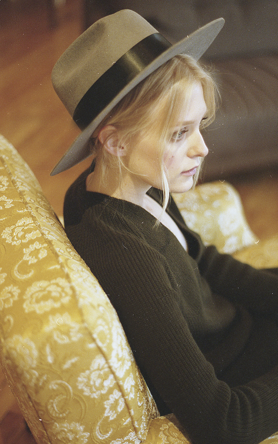 green-hat-very-joelle-paquette-3