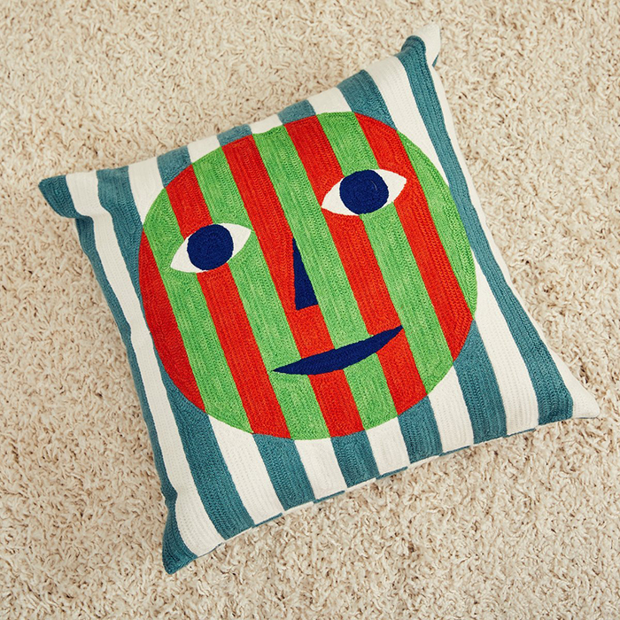 Two-face cushion by Dusen Dusen