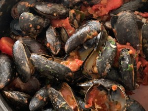 Mussels with Tomato, Wine and Herbs