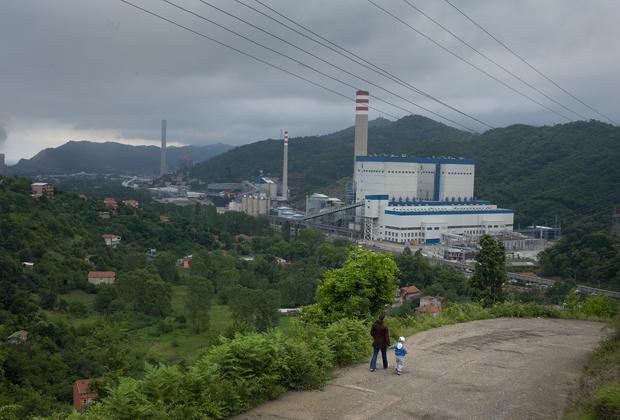 Zonguldak yakınlarındaki kömür santrali, Fotoğraf: Sean Smith, The Guardian