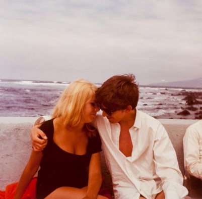 George Harrison ve Astrid Kirchherr. Tenerife, Nisan 1963.