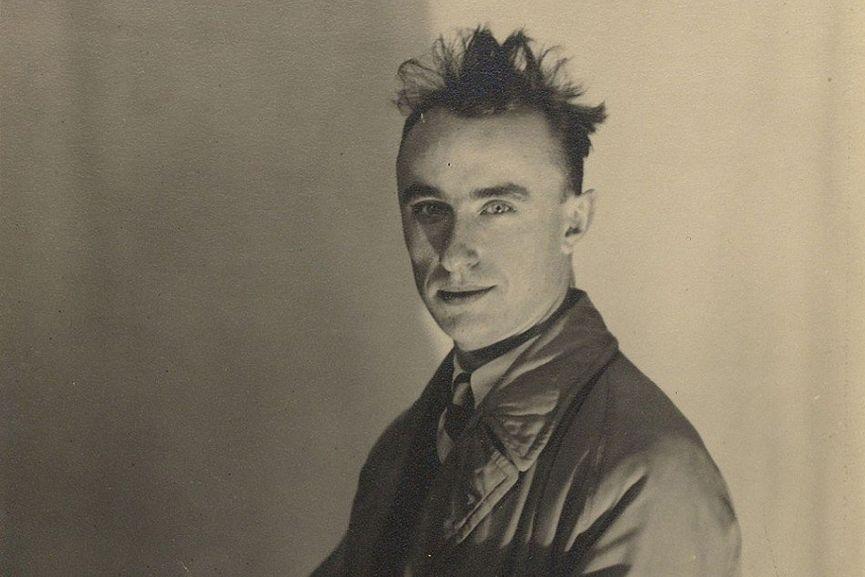 Yves Tanguy. Fotoğraf: Man Ray, 1934.
