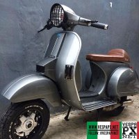 Nice color combo silver grey Vespa PX caferacer restored by @specialis_px