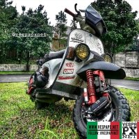 Off road Vespa T5 excel custom modified  Vespa Excel Rally Raid with 80s @vespagentleride