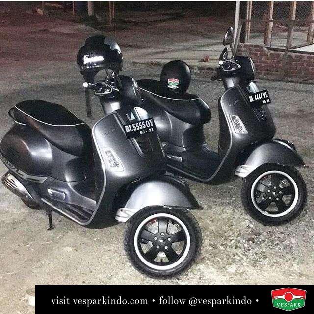 Vespa GTS kembar pak @owiedjalhas Aceh dari Vespark Medan. Kami bisa ngurus OTR surat Aceh, pengiriman ke Aceh dan juga servis ke Aceh. Bisa juga jual off the road ke luar kota lainnya. Untuk info lengkap hub Vespark 061-4565454 0815-21-595959