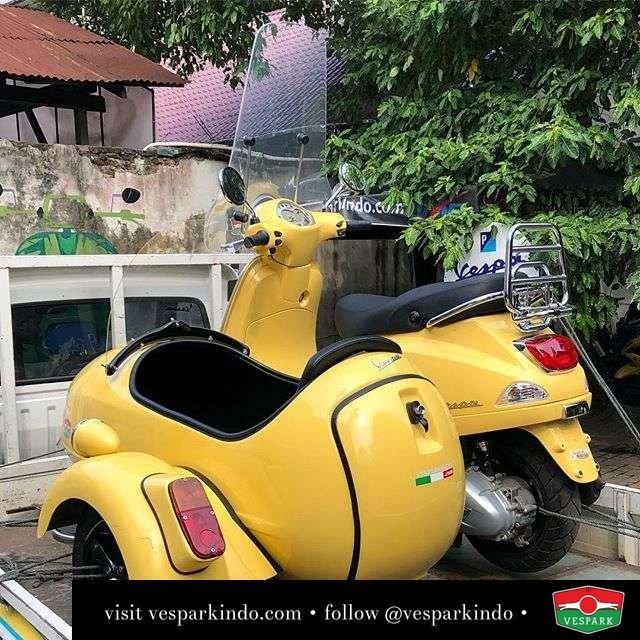 Vespa Sidecar