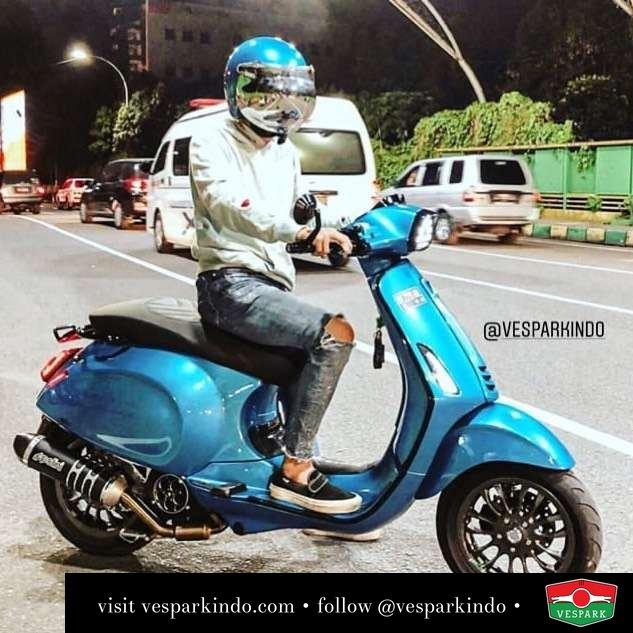 Vespa Sprint custom blue color @haikalryandii