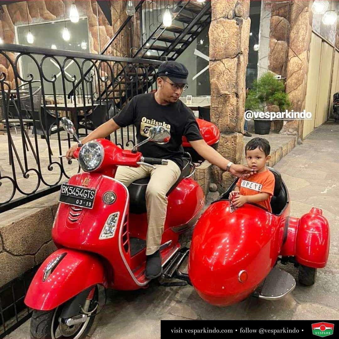 Vespa family dengan Vespa GTS sidecar dari Vespark @marasutan