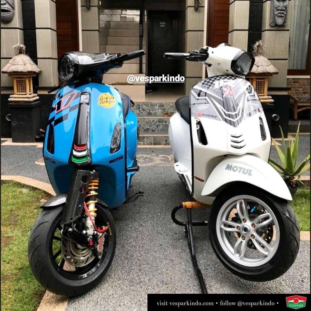 Blue Vespa Primavera and White Vespa Sprint custom modification @verbonevespa