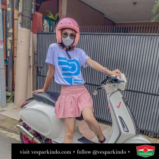Pinky...   Live More Ride Vespa Saatnya anda miliki scooter matic legendaris Vespa!  Geser untuk lihat genuine aksesoris Vespa @vesparkindo dan lihat sorotan utk paket promo aksesoris   Tersedia penawaran leasing/kredit menarik untuk semua tipe Vespa. Cek info di web, link di bio  Hubungi dealer resmi Vespark Piaggio Vespa Medan Sumut @vesparkindo untuk pesanan Medan, Aceh, Riau dan Sumut Dealer tetap buka selama liburan silakan WA 0815-21-595959 untuk appointment, jam buka dan DM utk brosur terbaru  Kunjungi: VESPARK: Piaggio Vespa 3S ShowPark Jln Prof HM Yamin No.16A (simpang Jln Jawa)  Medan Telp. 061-456-5454 Cek IG @vesparkindo   @bbypinkk__
