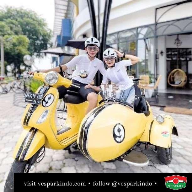 Two wheels move the soul, three wheels move the heart   Live More Ride Vespa Saatnya anda miliki scooter matic legendaris Vespa!  Geser untuk lihat genuine aksesoris Vespa @vesparkindo dan lihat sorotan utk paket promo aksesoris   Tersedia penawaran leasing/kredit menarik untuk semua tipe Vespa. Cek info di web, link di bio  Hubungi dealer resmi Vespark Piaggio Vespa Medan Sumut @vesparkindo untuk pesanan Medan, Aceh, Riau dan Sumut Dealer tetap buka selama liburan silakan WA 0815-21-595959 untuk appointment, jam buka dan DM utk brosur terbaru  Kunjungi: VESPARK: Piaggio Vespa 3S ShowPark Jln Prof HM Yamin No.16A (simpang Jln Jawa)  Medan Telp. 061-456-5454 Cek IG @vesparkindo   @kelvin_cong @h3photography @albertsujitno @elizazachandra @kaleobistro