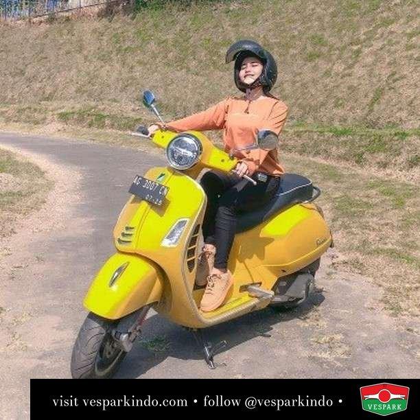 Jalan sendiri... kapan jalan sama kamu  Live More Ride Vespa Saatnya anda miliki scooter matic legendaris Vespa!  Geser untuk lihat genuine aksesoris Vespa @vesparkindo dan lihat sorotan utk paket promo aksesoris   Tersedia penawaran leasing/kredit menarik untuk semua tipe Vespa. Cek info di web, link di bio  Hubungi dealer resmi Vespark Piaggio Vespa Medan Sumut @vesparkindo untuk pesanan Medan, Aceh, Riau dan Sumut Dealer tetap buka selama liburan silakan WA 0815-21-595959 untuk appointment, jam buka dan DM utk brosur terbaru  Kunjungi: VESPARK: Piaggio Vespa 3S ShowPark Jln Prof HM Yamin No.16A (simpang Jln Jawa)  Medan Telp. 061-456-5454 Cek IG @vesparkindo   @anticincinatuliliyin