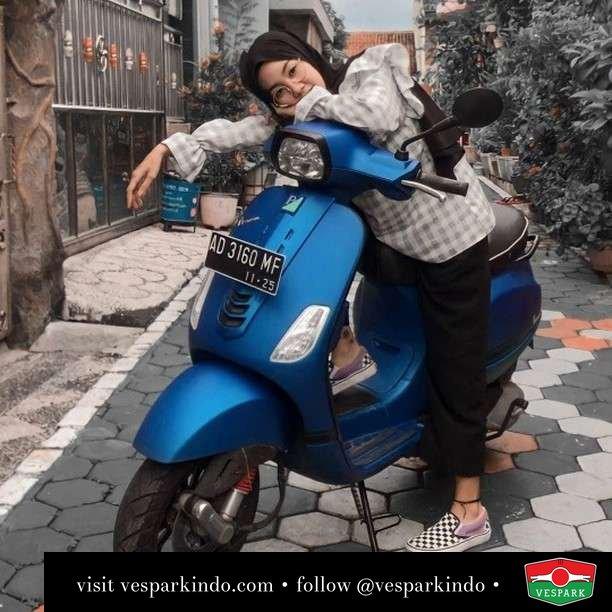 Blue   Live More Ride Vespa Saatnya anda miliki scooter matic legendaris Vespa!  Geser untuk lihat Vespa S terbaru dan genuine aksesoris Vespa @vesparkindo dan lihat sorotan utk paket promo aksesoris   Tersedia penawaran leasing/kredit menarik untuk semua tipe Vespa. Cek info di web, link di bio  Hubungi dealer resmi Vespark Piaggio Vespa Medan Sumut @vesparkindo untuk pesanan Medan, Aceh, Riau dan Sumut Dealer tetap buka selama liburan silakan WA 0815-21-595959 untuk appointment, jam buka dan DM utk brosur terbaru  Kunjungi: VESPARK: Piaggio Vespa 3S ShowPark Jln Prof HM Yamin No.16A (simpang Jln Jawa)  Medan Telp. 061-456-5454 Cek IG @vesparkindo   feature @hn.rosse