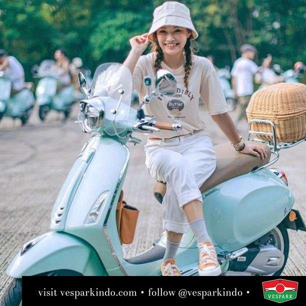 Mint green relax Vespa Primavera   Live More Ride Vespa Saatnya anda miliki scooter matic legendaris Vespa!  Geser untuk lihat genuine aksesoris Vespa @vesparkindo dan lihat sorotan utk paket promo aksesoris   Tersedia penawaran leasing/kredit menarik untuk semua tipe Vespa. Cek info di web, link di bio  Hubungi dealer resmi Vespark Piaggio Vespa Medan Sumut @vesparkindo untuk pesanan Medan, Aceh, Riau dan Sumut Dealer tetap buka selama liburan silakan WA 0815-21-595959 untuk appointment, jam buka dan DM utk brosur terbaru  Kunjungi: VESPARK: Piaggio Vespa 3S ShowPark Jln Prof HM Yamin No.16A (simpang Jln Jawa)  Medan Telp. 061-456-5454 Cek IG @vesparkindo   feature @_melodidy_