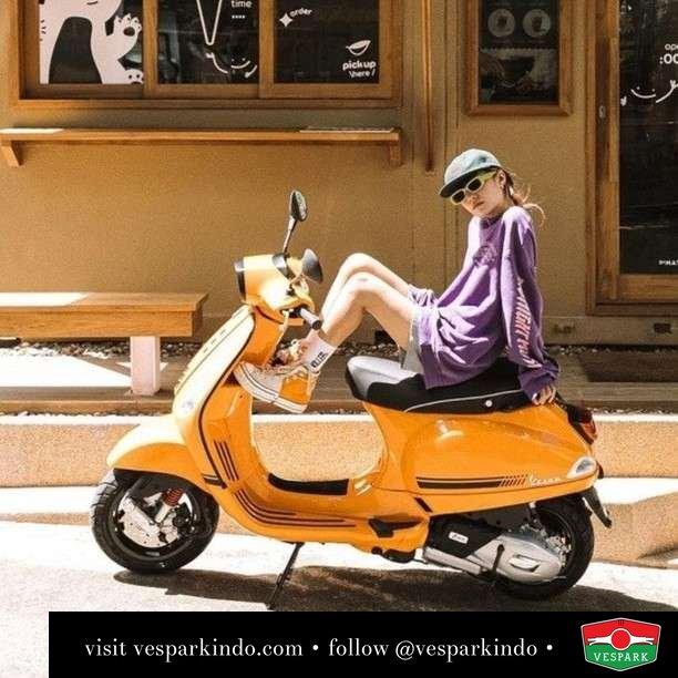 Orange fun  Live More Ride Vespa Saatnya anda miliki scooter matic legendaris Vespa!  Geser untuk lihat Vespa S terbaru dan genuine aksesoris Vespa @vesparkindo dan lihat sorotan utk paket promo aksesoris   Tersedia penawaran leasing/kredit menarik untuk semua tipe Vespa. Cek info di web, link di bio  Hubungi dealer resmi Vespark Piaggio Vespa Medan Sumut @vesparkindo untuk pesanan Medan, Aceh, Riau dan Sumut Dealer tetap buka selama liburan silakan WA 0815-21-595959 untuk appointment, jam buka dan DM utk brosur terbaru  Kunjungi: VESPARK: Piaggio Vespa 3S ShowPark Jln Prof HM Yamin No.16A (simpang Jln Jawa)  Medan Telp. 061-456-5454 Cek IG @vesparkindo    feature @unnzlism