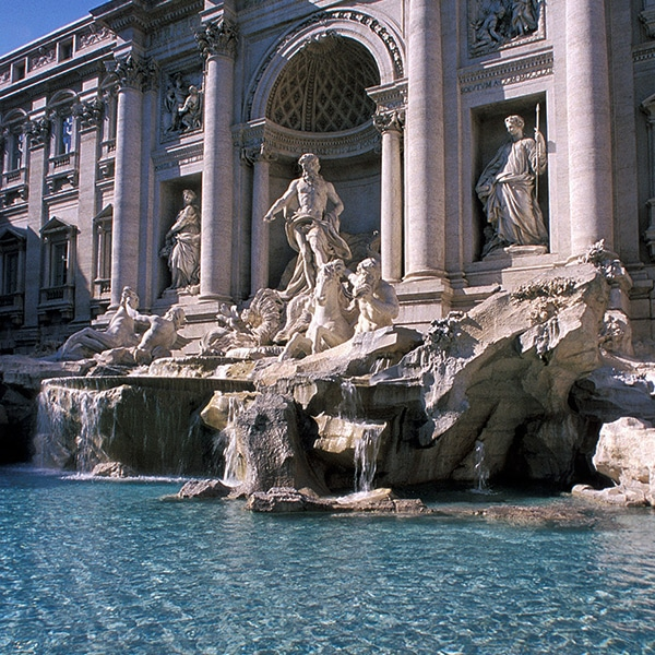 Angled picture of the famous Fontana di Trevi in Rome